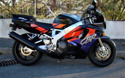 Honda CBR 900 SC29